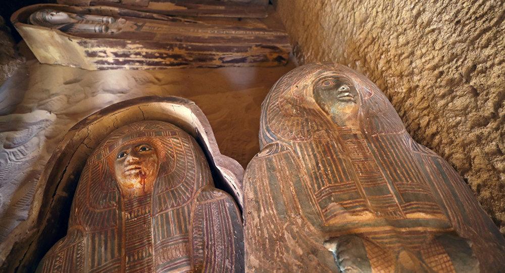(Fotos+video) Descubren cementerio egipcio cerca de las pirámides de Giza