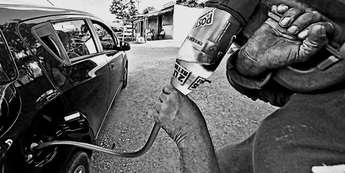 «Ya no llega ni de contrabando la gasolina venezolana», claman colombianos en la frontera