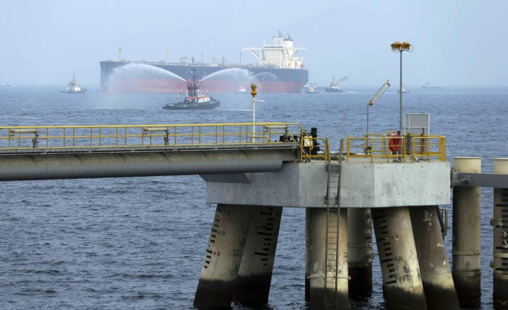 Dos petroleros saudíes fueron atacados frente a las costas de Emiratos Árabes Unidos