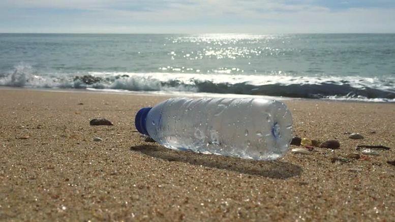 Reciclar no es suficiente para acabar  con el grave problema de la contaminación global