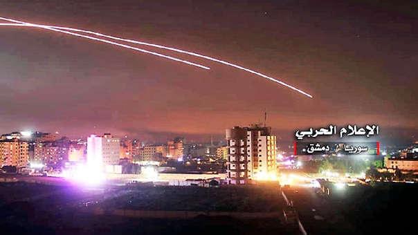 (Video) Fuerza Aérea de Siria derribó varios proyectiles lanzados por Israel