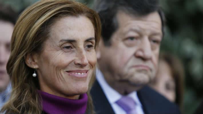 """La ministra spam: Frente Amplio critica campaña de Marcela Cubillos en defensa de """"Admisión Justa"""""""