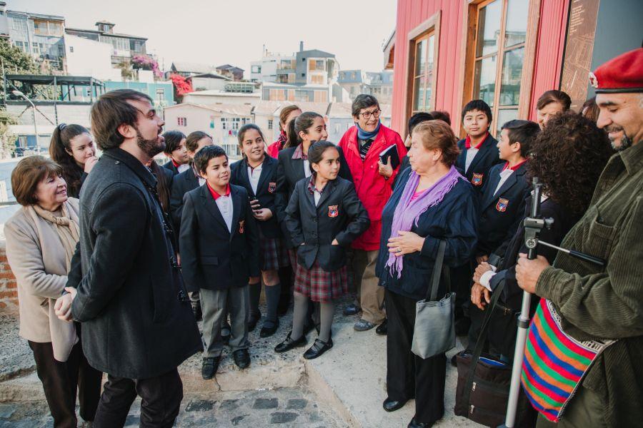 Valparaíso: Comenzó a regir acceso liberado en ascensores para estudiantes de básica y personas mayores
