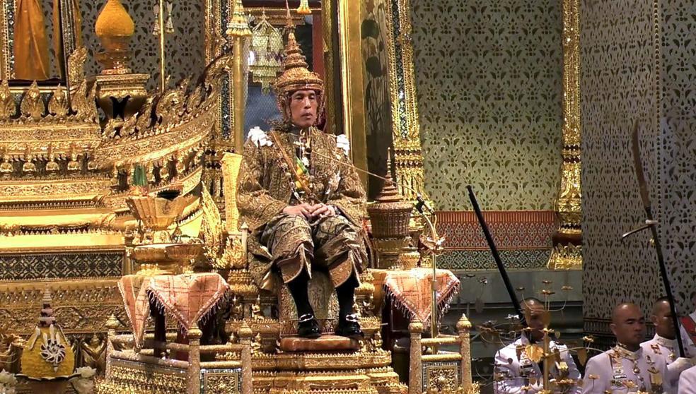 Conoce todos los lujos, escándalos y excesos del nuevo rey de Tailandia