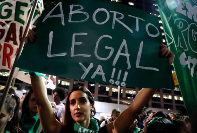 Brasil: Tribunal autoriza aborto para niña de 10 años abusada y médicos se niegan a realizarlo