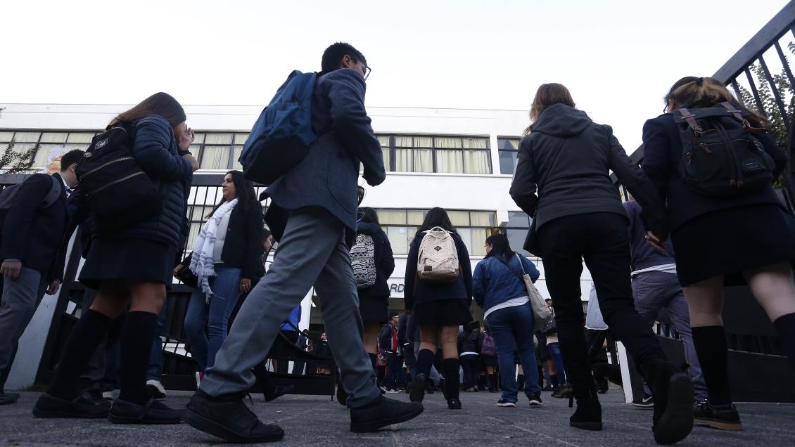 Congreso: Aprobado proyecto que prohíbe a las escuelas obligar a sus alumnos a tomar medicamentos