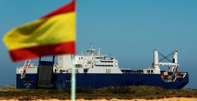 España permite que los saudíes carguen armas en sus puertos para la guerra en Yemen