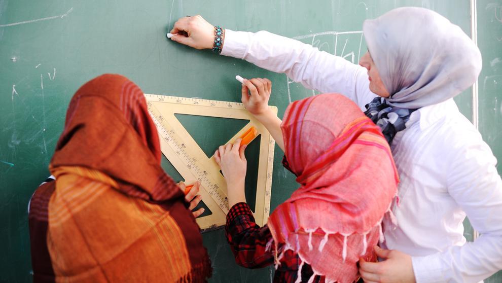 Austria prohíbe el uso del velo islámico en colegios