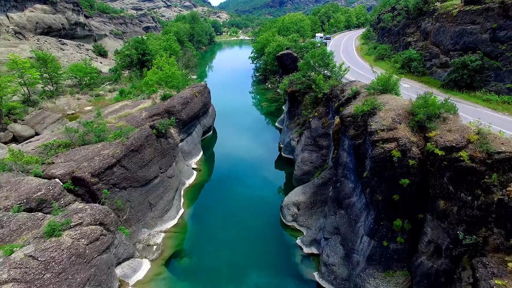 Solo un tercio de los ríos más largos de la Tierra siguen fluyendo libremente