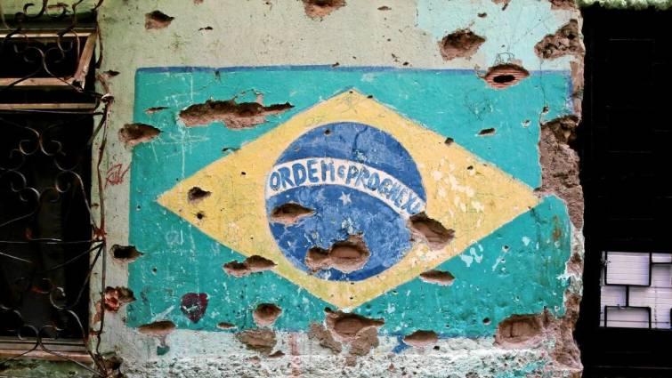 Las leyes de Bolsonaro: más armas y menos educación para «combatir» la violencia