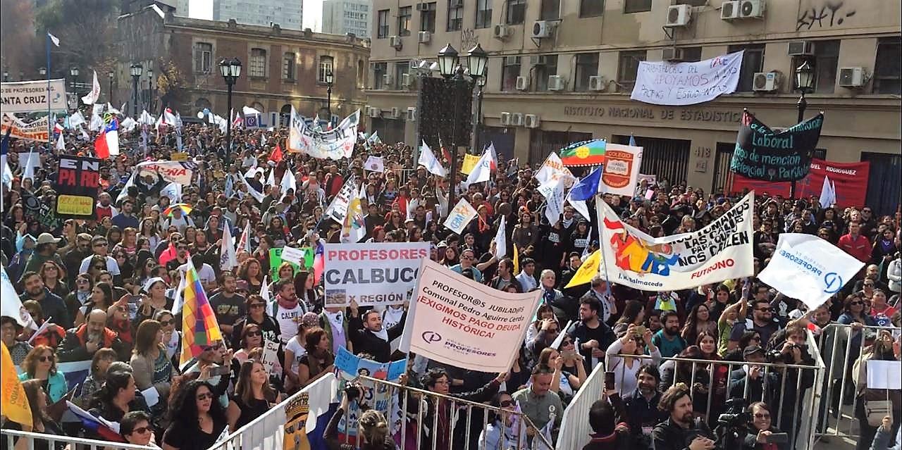 No van a parar: Así se vivió la gran marcha nacional con la que docentes reafirmaron su fuerza