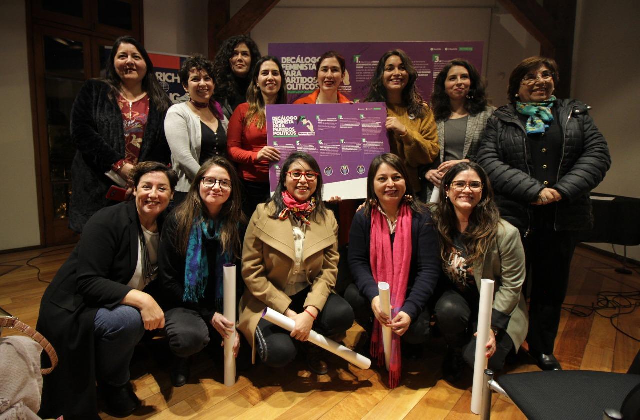 Presidentas y lideresas de partidos políticos de oposición firman compromiso feminista