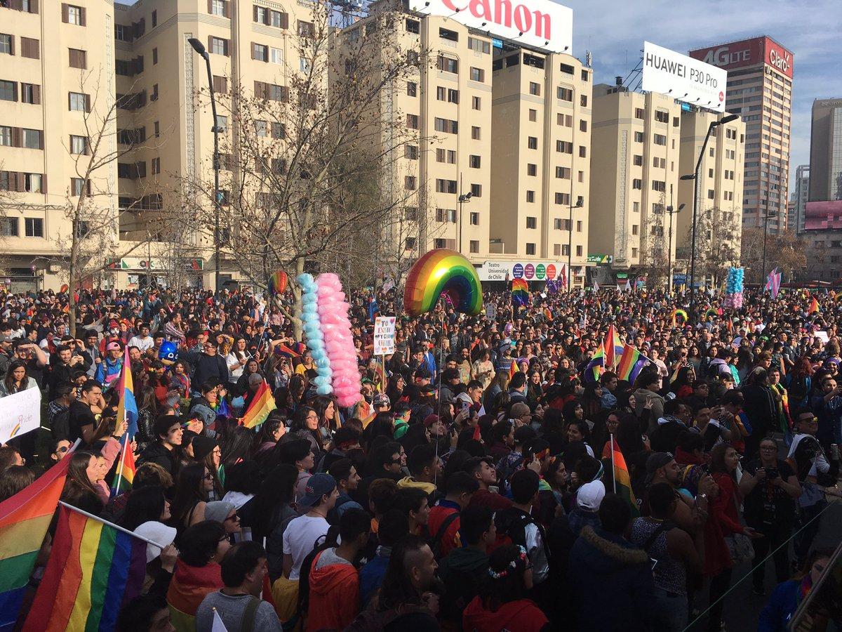 Violencia contra LGBTI y vulnerabilidad de familias homoparentales: las realidades que relevó la masiva Marcha del Orgullo