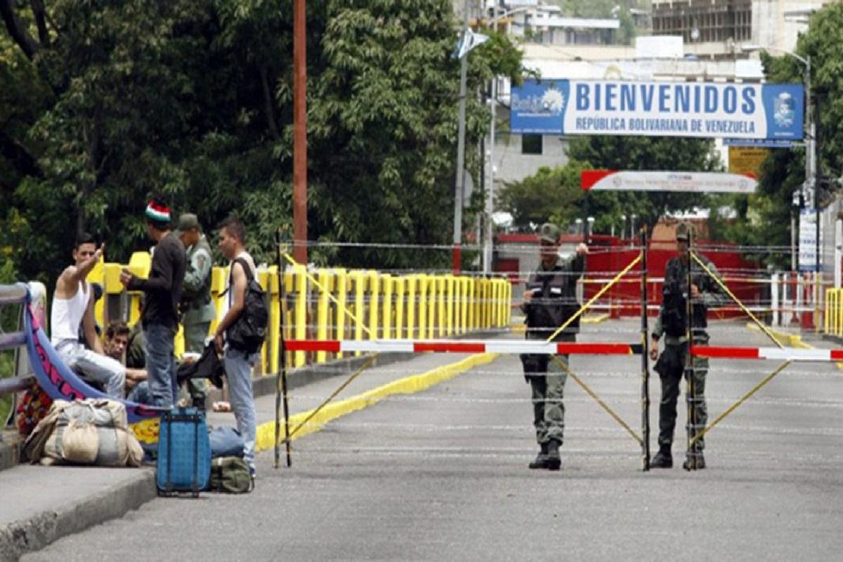 Maduro ordena reabrir los pasos fronterizos con Colombia en el estado Táchira