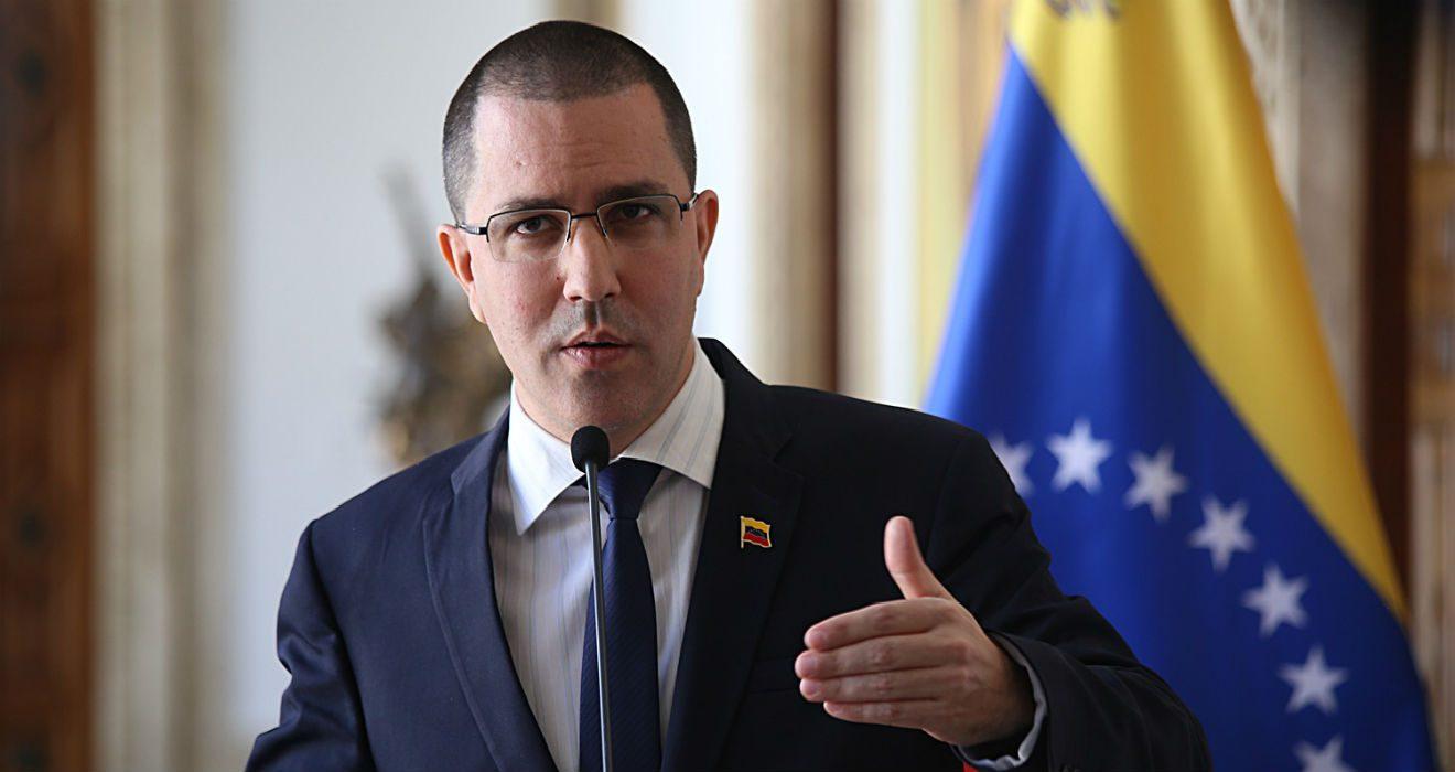 Arreaza: Colombia vincula a Venezuela con el ELN para justificar una guerra