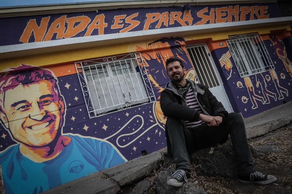 César Vallejos, autor del mural en homenaje a Jorge González: «Su obra es tan grande, que ninguna frase que propusiera iba a dar en el clavo»