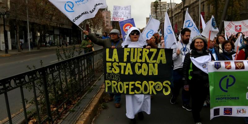 Día del Profesor: Pongamos fin al legado de la Dictadura