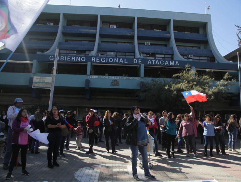 Empleados fiscales, profesores y estudiantes se suman a la «huelga general sanitaria»