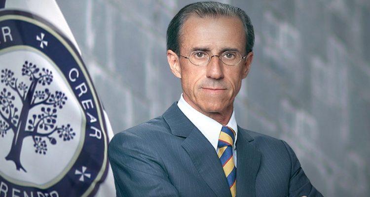 """Rector que acusó al Museo de la Memoria de mostrar """"grosera falsificación"""" de la dictadura ya no será subsecretario"""