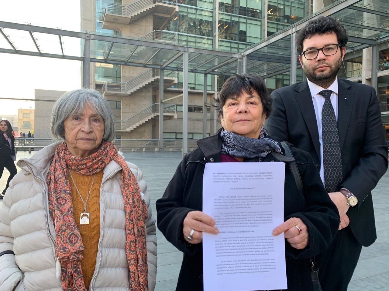 Familiares de ejecutados políticos se querellan contra militares condenados que gozan de pensiones millonarias