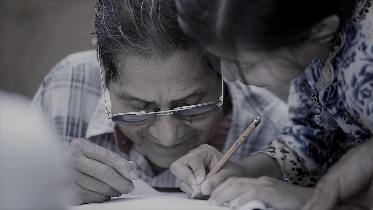 ¡Revelador estudio! Uno de cada cinco adultos en EE. UU. tiene dificultades para leer y escribir