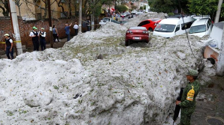 (Fotos) Una sorprendente granizada convirtió a Guadalajara en la 'Antártida'