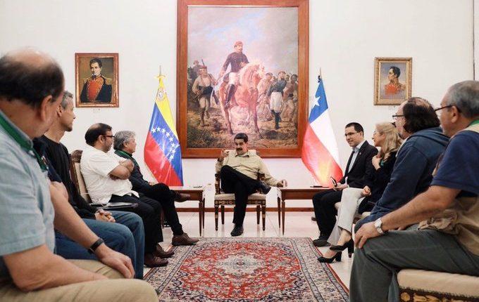 Maduro se reunió con delegación chilena liderada por el senador Alejandro Navarro