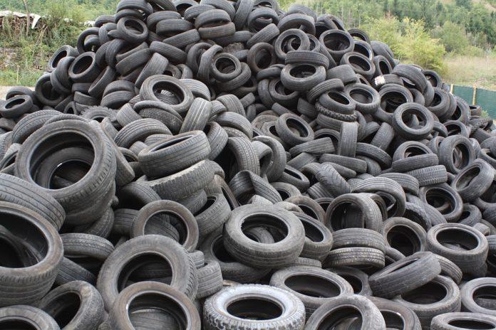 ¿Cómo el reciclaje de neumáticos puede fortalecer las construcciones con hormigón?