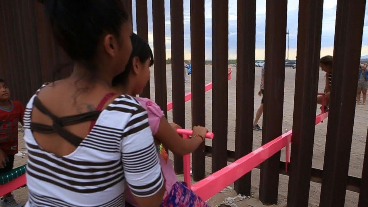 """En el muro se juega el """"sube y baja"""" entre México y EE. UU."""