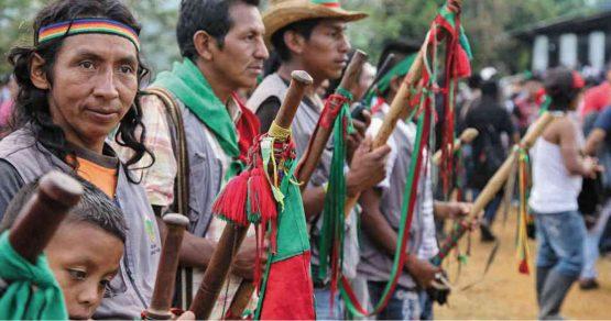 Advierten sobre desplazamiento forzado de indígenas en Colombia