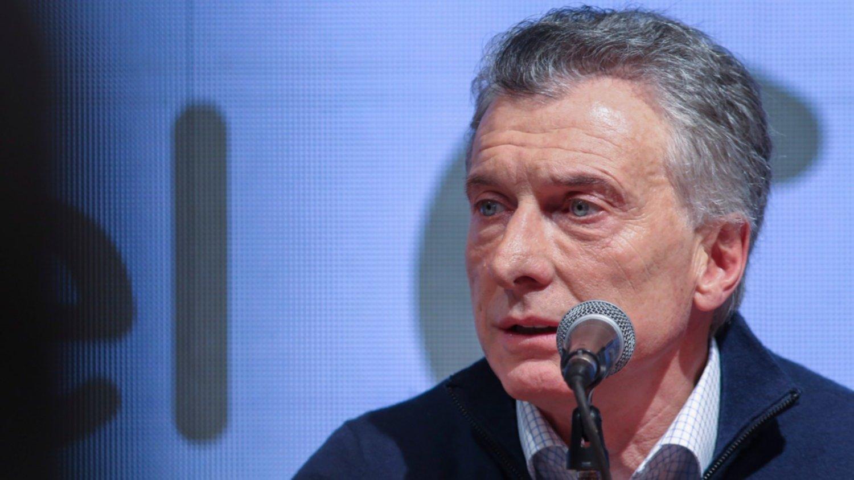 Macri elimina el IVA a productos de la cesta básica tras derrota en las primarias