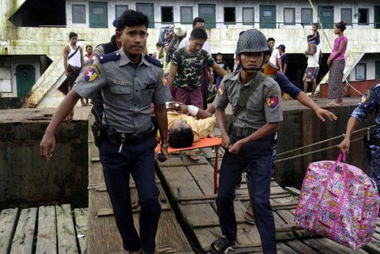 (+Fotos) Ataques contra militares y policías dejan 15 personas asesinadas en Myanmar