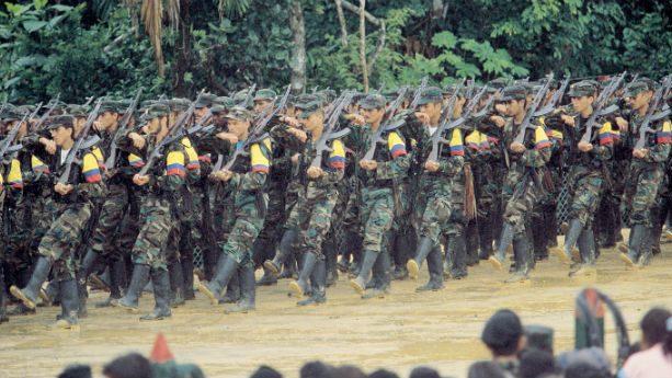 Duque empleará bombardeos para exterminar a disidentes de las FARC-EP