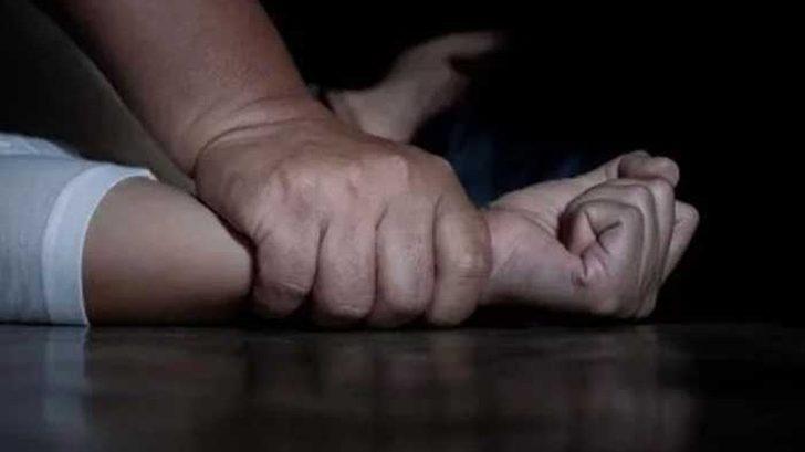 En India un hombre perdió una apuesta y dejó que violaran a su mujer para saldar la deuda