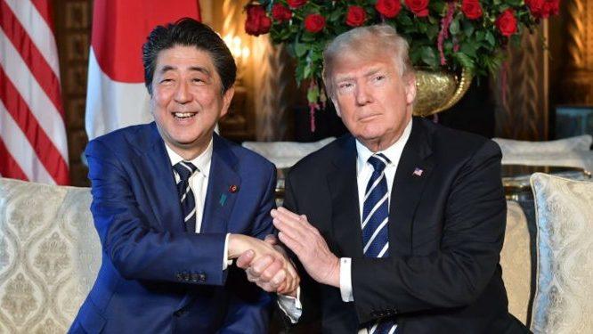 Trump recurre a Japón para «salvar su pellejo» en la guerra comercial con China