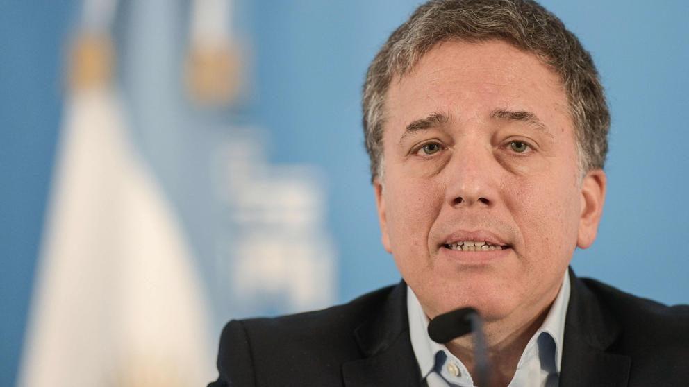 Renuncia ministro de Hacienda de Argentina tras fracaso de políticas neoliberales