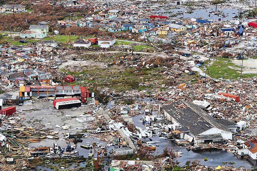 Al menos 52 muertos y 1.300 desaparecidos tras paso del huracán Dorian en Bahamas