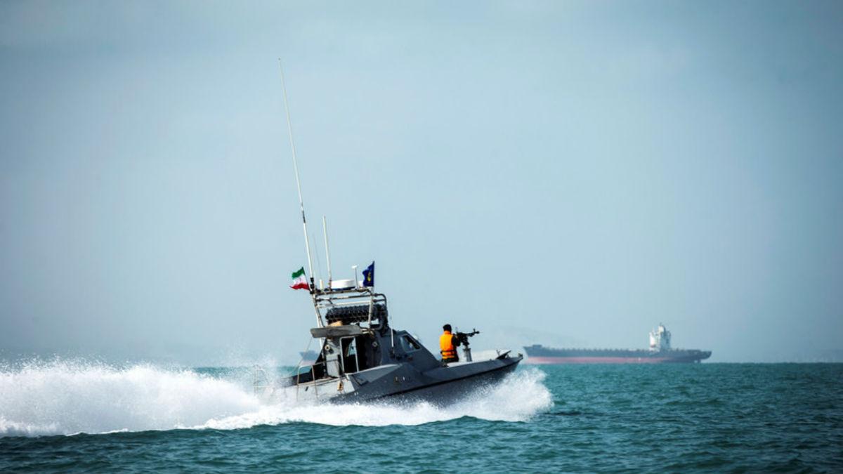 Irán confisca una embarcación en el golfo Pérsico por presunto contrabando de combustible