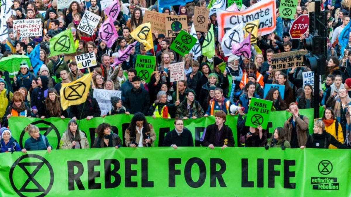 Grupo ecologista retoma su agenda de protesta contra el Calentamiento Global en Reino Unido