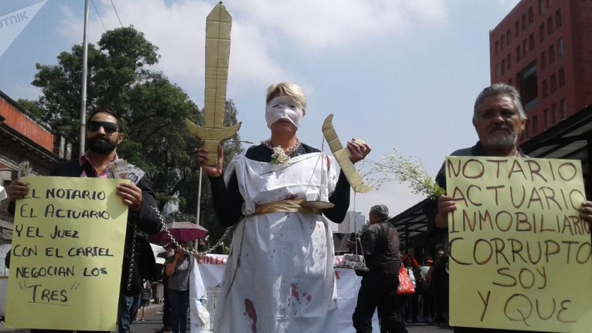 (Fotos) Ciudadanos denuncian corrupción en los desalojos en Ciudad de México