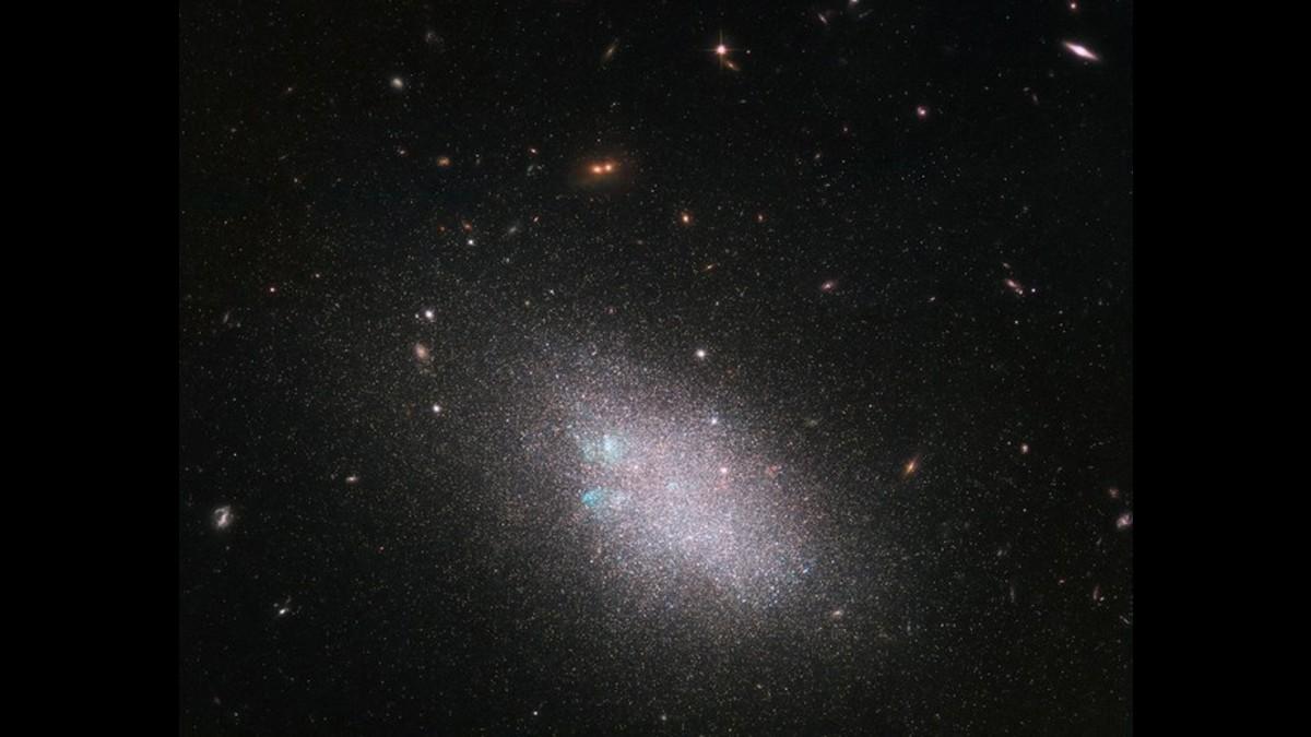El universo podría ser dos mil millones de años más joven de lo que creemos