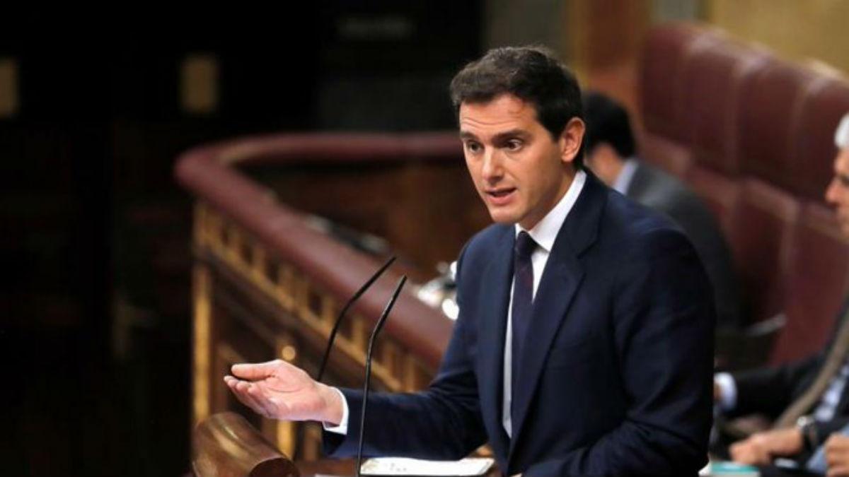 Los liberales españoles plantean abstenerse en la investidura de Pedro Sánchez