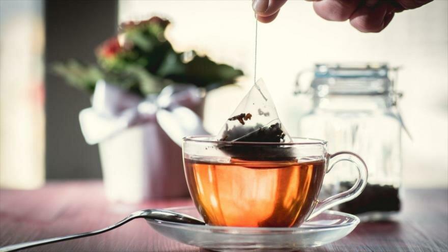 ¡Alerta! Las bolsitas de té pueden contener miles de millones de microplásticos