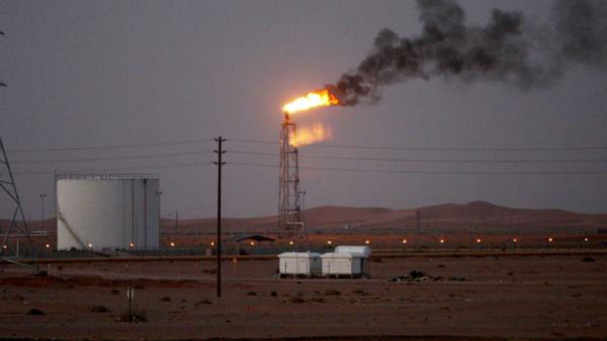 Se dispara el crudo Brent tras ataques a las refinerías sauditas
