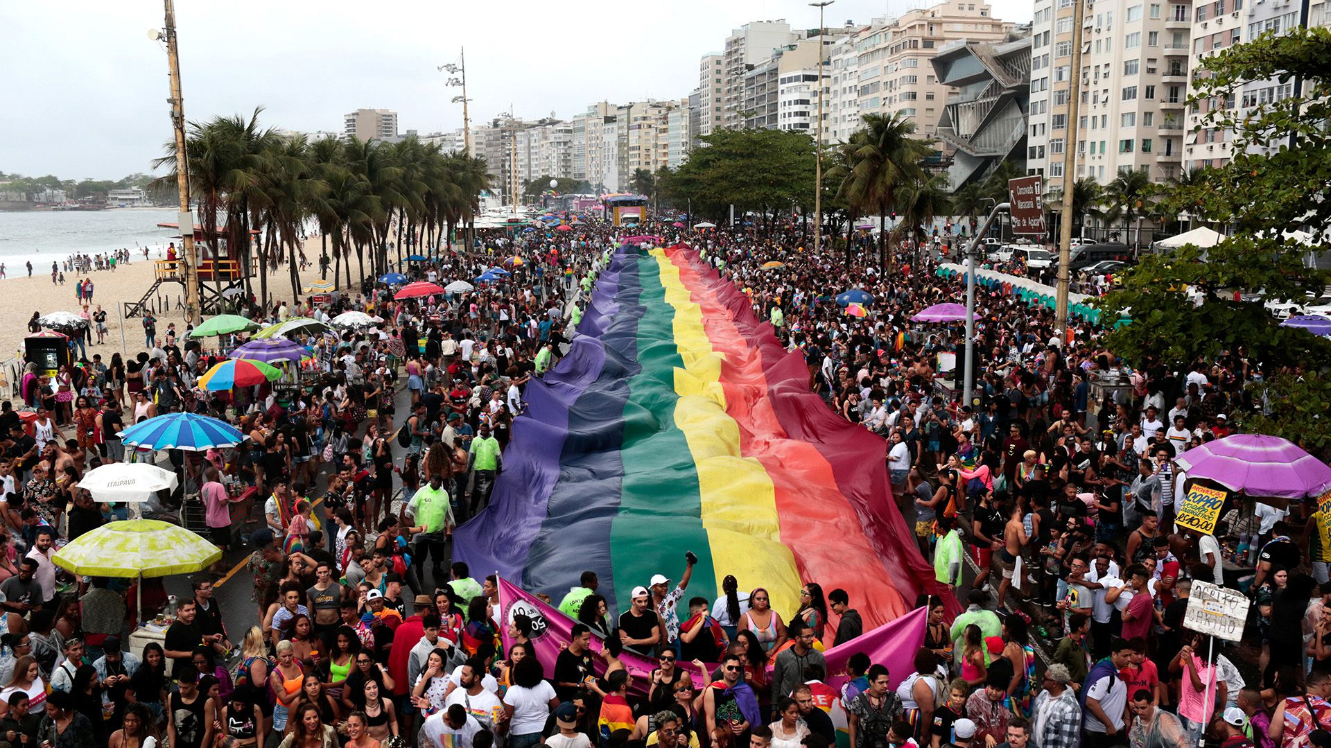 Beso de la censura: Orgullo Gay de Brasil dijo «¡Basta!» a Bolsonaro