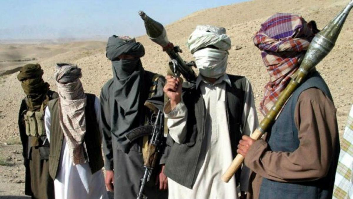 EE.UU. lanza ataque aéreo contra talibanes en Afganistán después firmar un acuerdo de paz