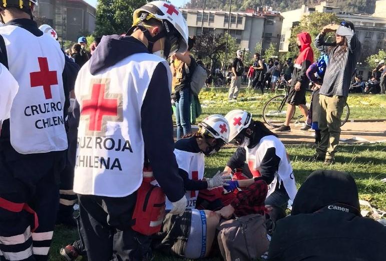 Cruz Roja denuncia que han sido atacados por Fuerzas Especiales en Plaza Italia