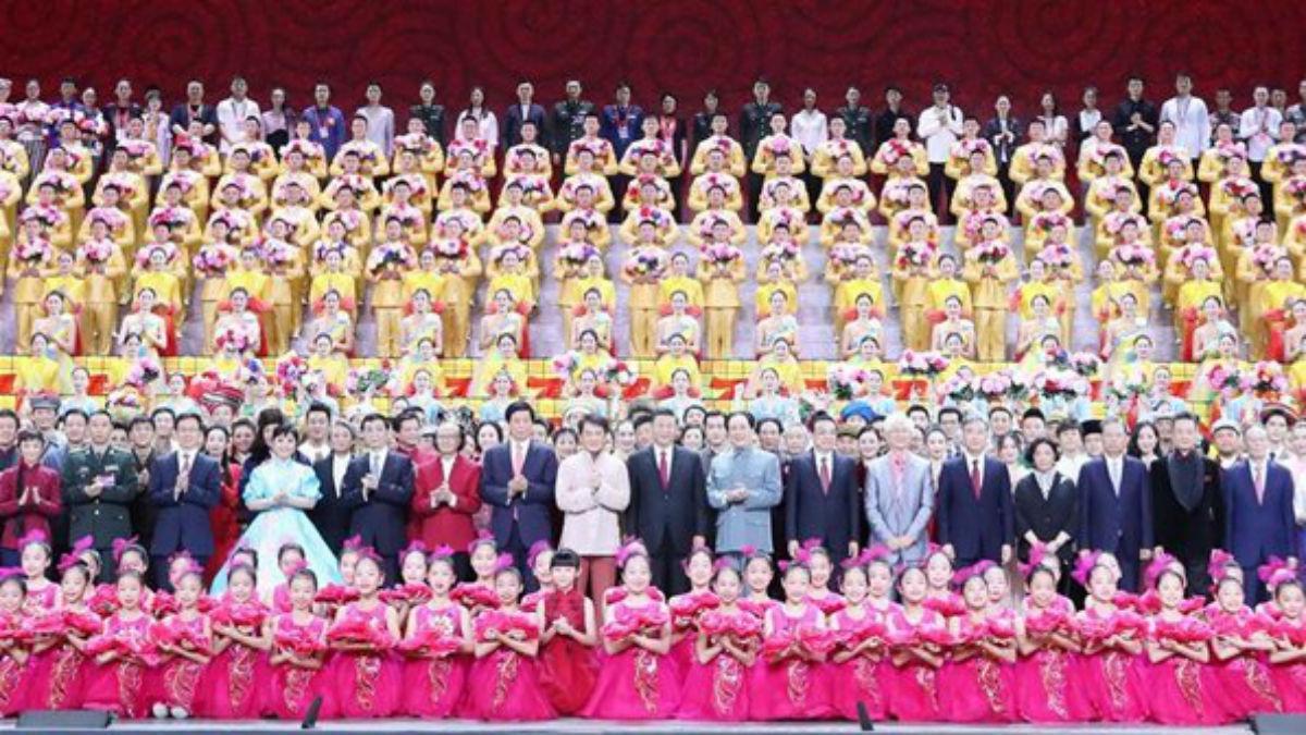 (Fotos+ Videos) China celebra su 70 aniversario mostrando su misil nuclear balístico hipersónico