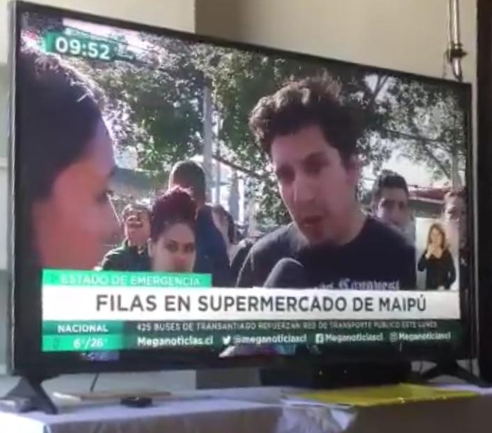 Periodista de Mega interrumpe opinión de ciudadano que criticaba cobertura mediática
