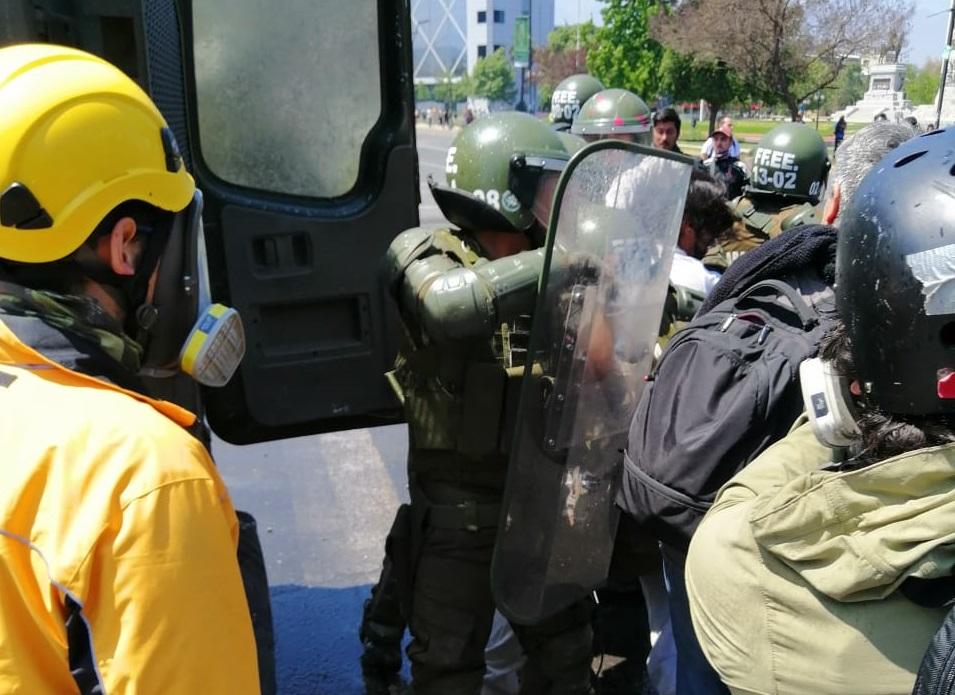 INDH anuncia acciones legales por violencia policial y denuncia desnudamientos